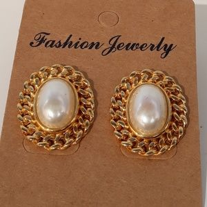 Gold and Faux Pearl Stud Earrings EUC